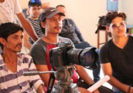 गुल्मीमा जन्मिएर काठमाडौंलाई कर्मथलो बनाएका निर्देशक देबेन्द्र कुवरको जिबनयात्रा अनि संघर्षको कथा