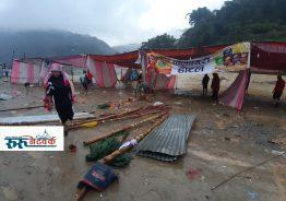 वर्षाका कारण रिडि खोलाको सतह बढ्दा मेलाका स्टलहरुमा क्षति, जनजीवन कस्टकर: तस्बिर रिपोर्ट